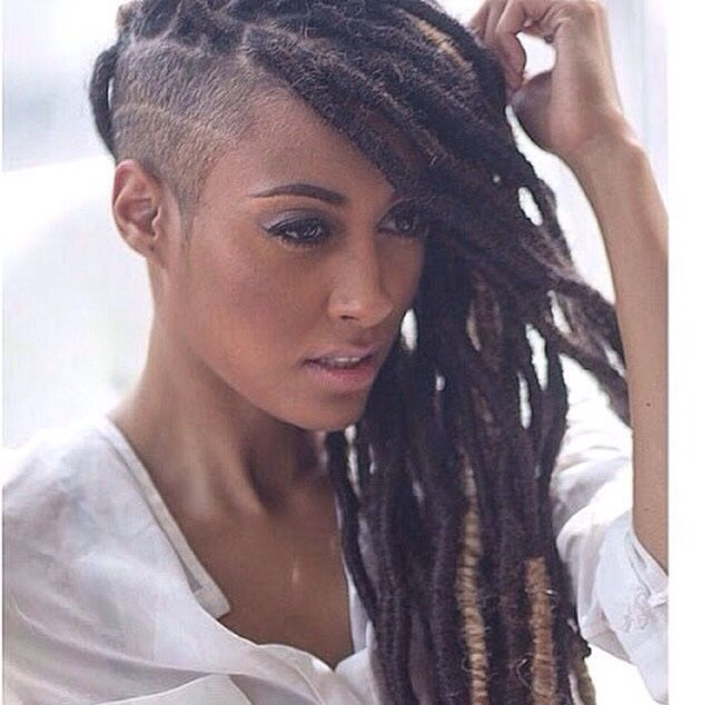 408c9afc238fdcf4f42fbee282d45f93--dread-hairstyles-cute-hairstyles