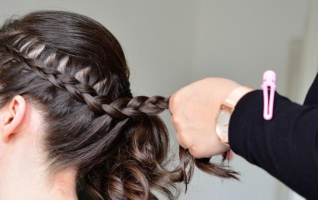 hair-3390621_640